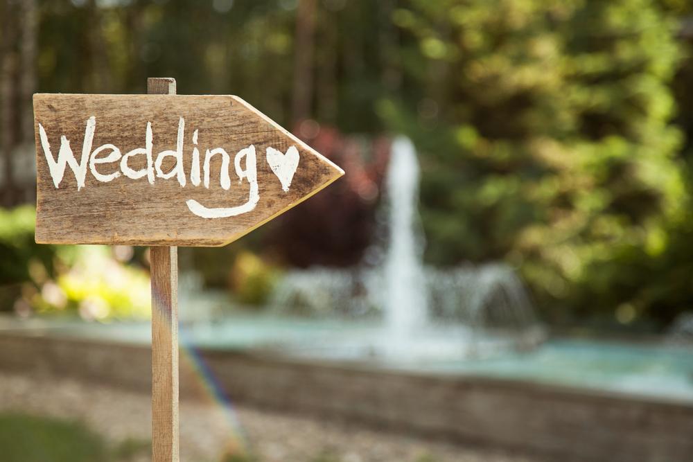 Hier entlang zur Hochzeit